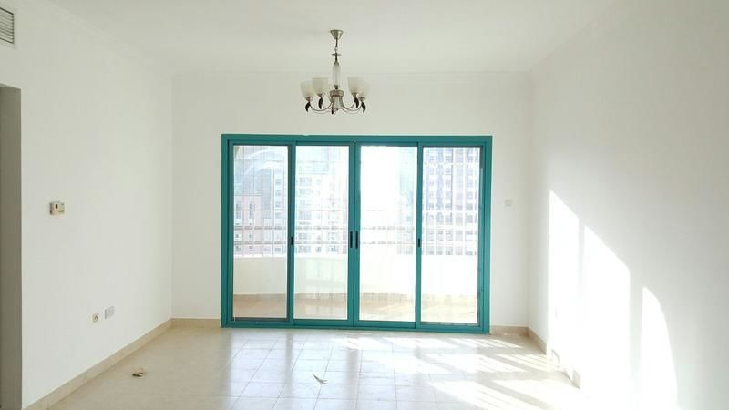 Let 39 S Talk With Professional Huge 1 Bed Room With Master Room Built In Wardrobes And