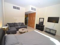 Studio Apartment in Fox Hills-photo @index