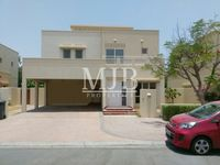 4 Bedroom Villa in Meadows 9-photo @index
