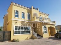 6 Bedroom Villa in Ponderosa-photo @index