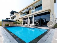 6 Bedroom Villa in Hillside-photo @index