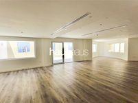 5 Bedroom Apartment in Dubai Gate 1-photo @index