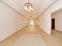 4 Bedroom Villa in West Bay Lagoon-photo @index