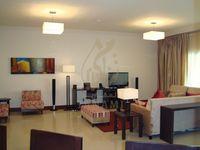 3 Bedroom Apartment in Golden Mile 4-photo @index