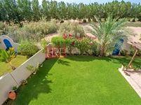 4 Bedroom Villa in Ponderosa-photo @index