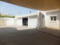 4 Bedroom Villa in Madinat Qaboos-photo @index