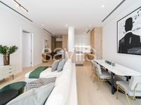 1 Bedroom Apartment in The Neighbourhood-photo @index