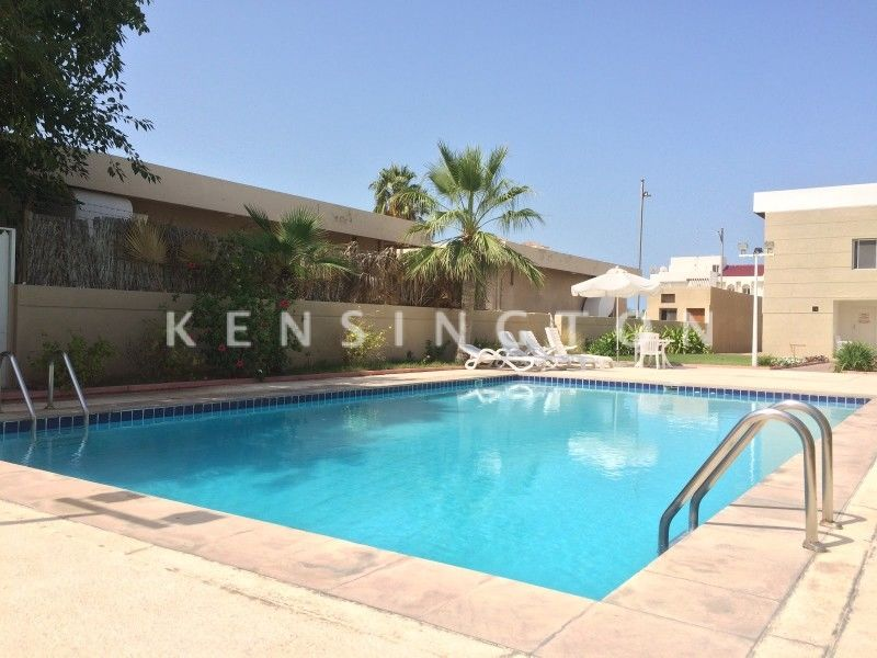 Recently Renovated | Private Garden | Squash court | Pool
