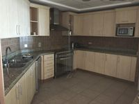 3 Bedrooms Apartment in Shoreline Apartments (All)