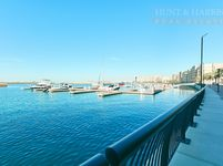 Retail Commercial in Lagoon B8-photo @index