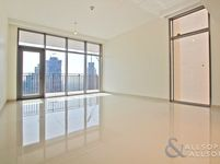 2 Bedroom Apartment in Boulevard Crescent 1-photo @index