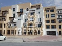 Commercial in Al Khail Heights Building 9A-photo @index