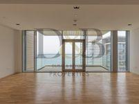 3 Bedroom Apartment in Apartment Building 9-photo @index