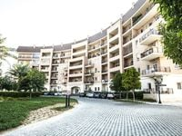 2 Bedroom Apartment in Shakespeare Circus 3