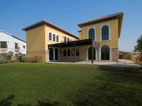 6 Bedroom Villa in Ponderosa-photo @index