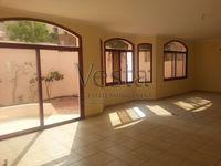 5 Bedroom Villa in Khalidiya Street-photo @index