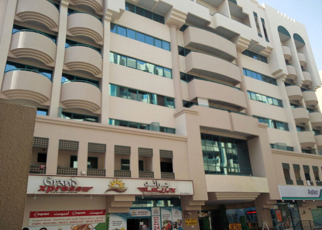 Spacious 1 bedroom apartment for rent in mankhool bur - 1 bedroom apartments for rent in dubai ...