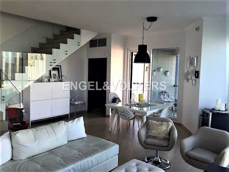 Modern 2 bed Duplex with a stunning view