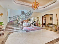 6 Bedroom Villa in Jumeirah 3-photo @index