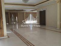 4 Bedroom Apartment in Al Khalidiya-photo @index