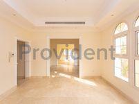 5 Bedroom Villa in Al Barsha 1 Villas-photo @index