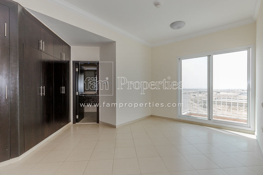 Spacious 3 Bedroom Apartment Available For Rent