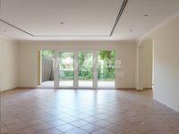 3 Bedroom Villa in Townhouses Area East-photo @index