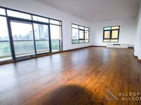 3 Bedroom Apartment in The Views 2-photo @index