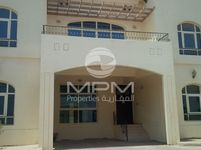 4 Bedroom Villa in Villa Compound-photo @index