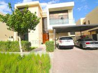5 Bedroom Villa in Brookfield 2-photo @index