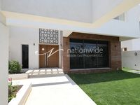 4 Bedroom Villa in West Yas-photo @index