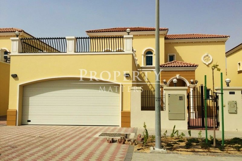 Legacy 4 BR + Maids Villa for Sale in Jumeirah Park