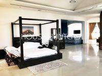 8 Bedroom Villa in Emirates Hills Villas-photo @index