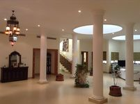 6 Bedroom Villa in Al Quoz 4