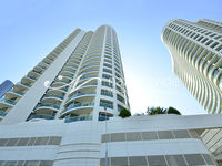 3 Bedroom Apartment in Beach Towers-photo @index