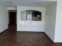 2 Bedroom Apartment in Lake Point-photo @index