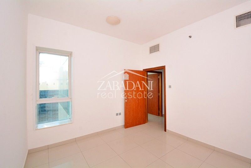 Spacious Three Bedroom Apartment In Dubai Marina