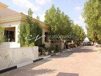 3 Bedroom Villa in Shakhbout City-photo @index