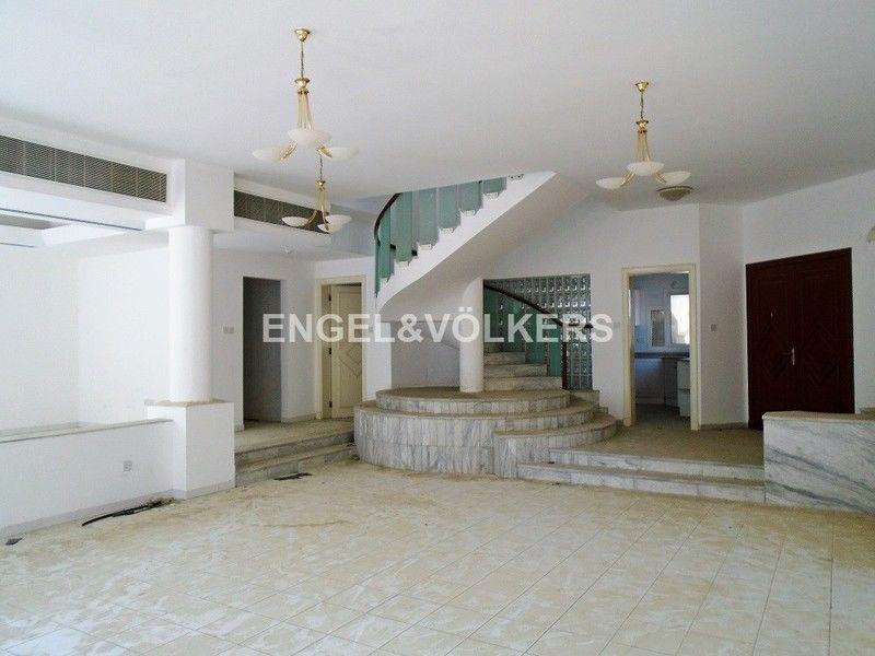 Exclusive Jumeirah beach commercial villa