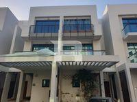 4 Bedroom Villa in La Riviera Estate-photo @index