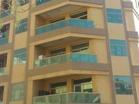 3 Bedroom Apartment in Al Muraqqabat-photo @index