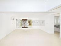 3 Bedroom Villa in West Bay-photo @index