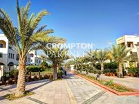 3 Bedroom Villa in Khalifa Park-photo @index