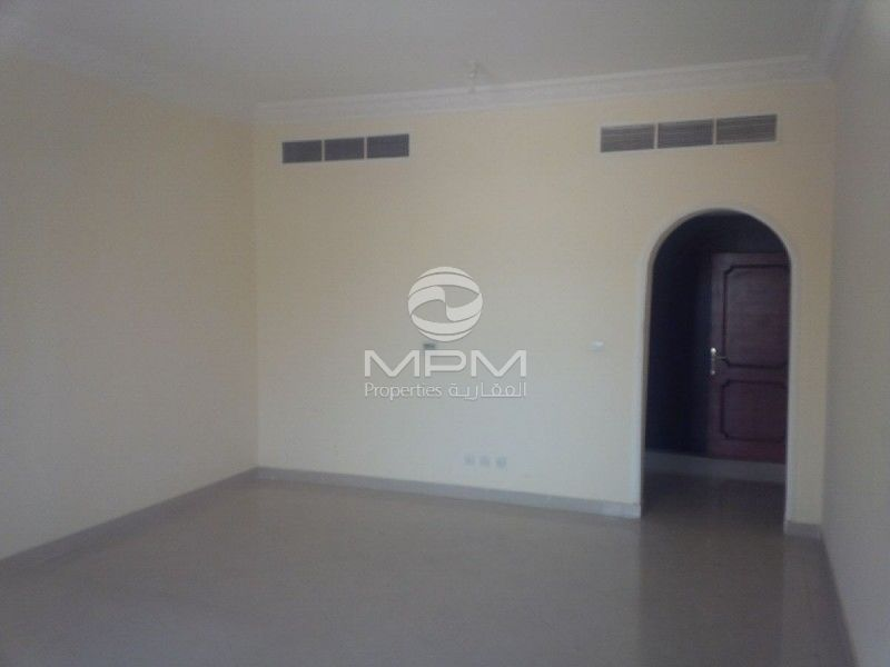 6 Bedroom Villa With Maid 39 S Room Between Two Bridges Abu Dhabi