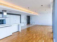 3 Bedroom Apartment in Apartment Building 4-photo @index